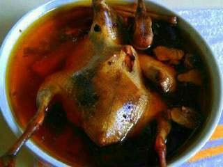 鸽子汤,入味起锅