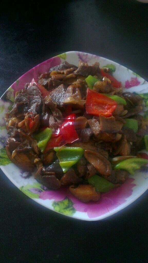 肉片炒香菇,盛盘即可!