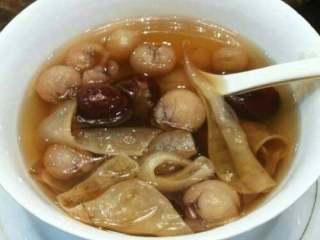 鳝肚红枣桂圆汤,出锅了。