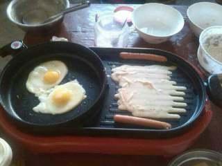 营养早餐,再来煎两个鸡蛋