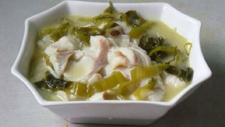 酸菜鱼, 过滤鱼汤倒碗中。