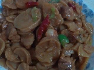 红烧肉炖干土豆片