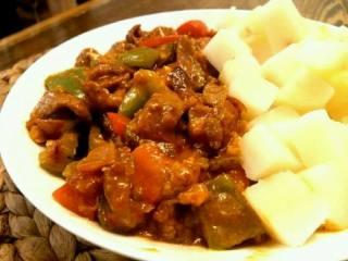 酸黄瓜烩羊肉