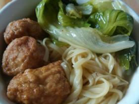 生菜肉丸汤面