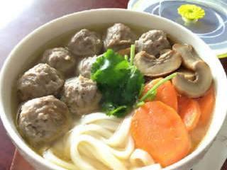 【牛筋丸粿条汤】