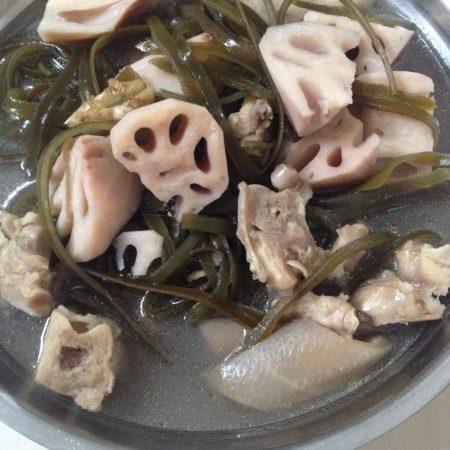 猪蹄海带莲藕汤