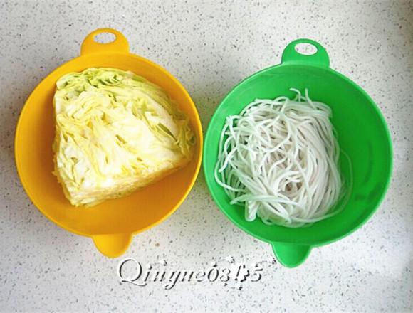 圆白菜炒粉丝,准备食材