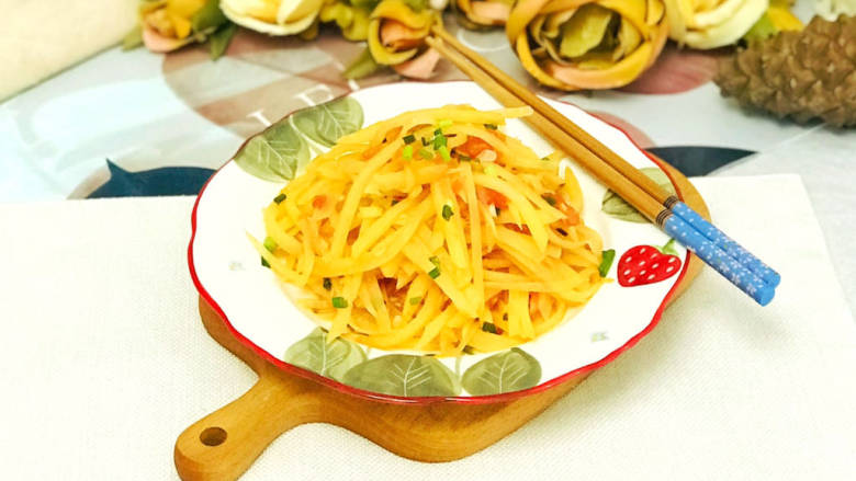 西红柿炒土豆丝,美味的西红柿炒土豆丝就做好了