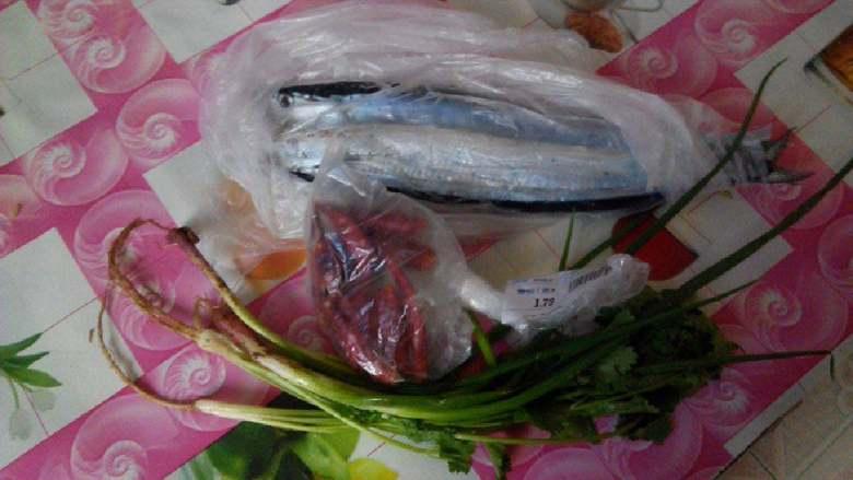 红烧秋刀鱼,准备材料