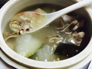 薏米芡实猪肚汤(夏天祛湿汤)