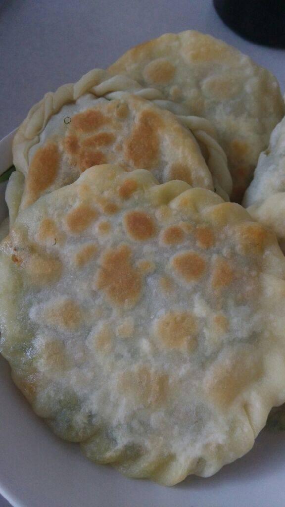 茴香鸡蛋烫面饼