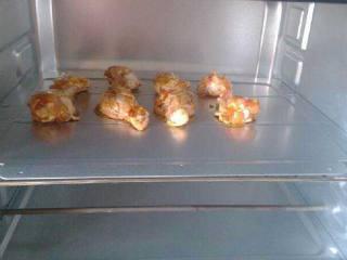 烤鸡腿,再放入烤箱里