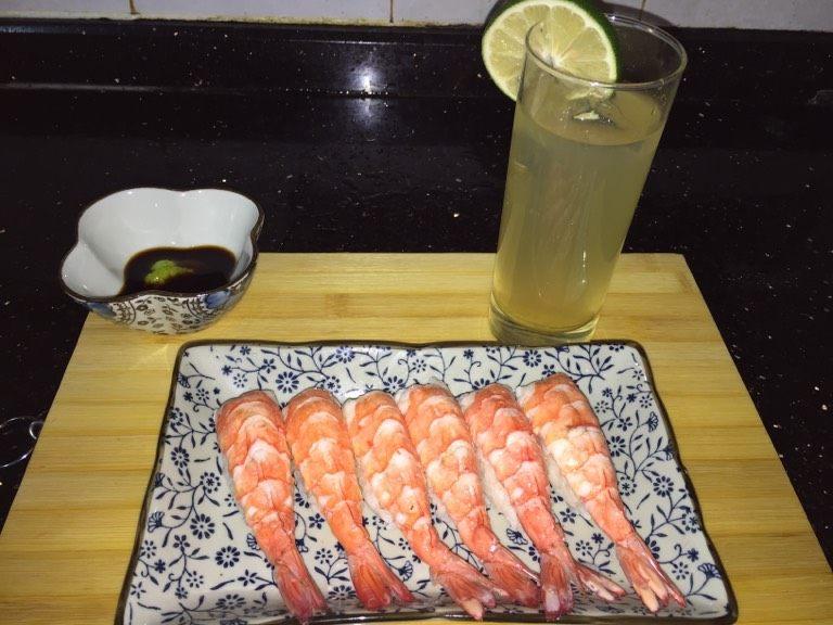 鲜虾手握寿司