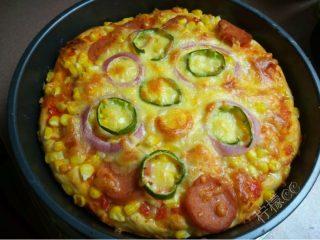 虾鲜拼QQ肠披萨